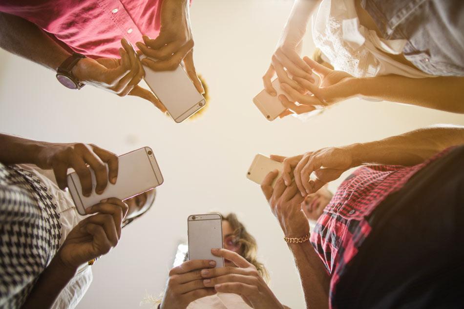 چرا باید اپلیکیشن مالتی پلتفرم انتخاب کنیم؟